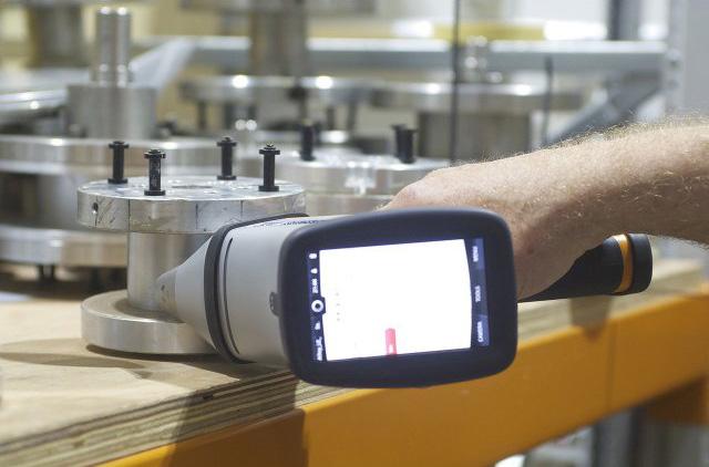 hitachi-RFA-handspektrometer-der-X-met-8000-baureihe11
